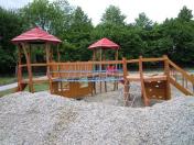 Dětská hřiště v přírodním stylu, kde najdete šplhací sestavy, houpačky či edukativní prvky – výroba
