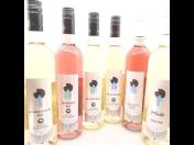 Víno pro firmy s vlastní etiketou opatřenou logem firmy – zakázková výroba