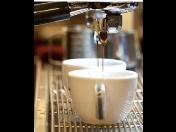 Pronájem vysokorychlostního kávovaru SAECO Aulika Evo Top, vhodný do kaváren a restaurací