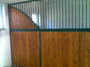 Dodávka vnitřní a venkovní boxy pro koně – různé modelové varianty