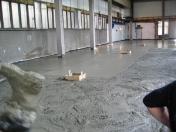Betonové podlahy pro průmyslové objekty – novostavby i rekonstrukce