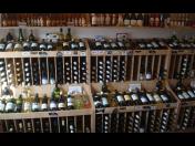 Vinotéka Malovaný sklep Znojmo – nejlepší výběr lahvového a stáčeného vína od moravských vinařů