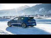 Nový Golf R s paketem Torque Vectoring - systém pohonu všech kol s individuálnímrozdělováním točivého momentu mezi zadní kola