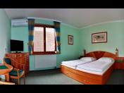 Pobyt ve dvoulůžkových pokojích s možností přistýlky v penzionu v centru Valtic