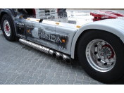 Oprava důlků na karoserii automobilu bez lakování - po krupobití, parkovacích škodách