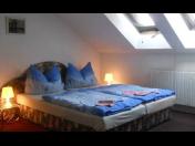 Ubytování v Kolíně, výhodné ubytování pro firmy, běžnou klientelu nebo cyklisty, velké parkoviště