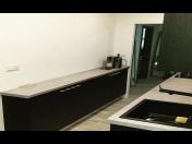 Kuchyně a kuchyňské sestavy do bytu vyráběné na míru