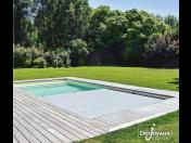 Roleta na bazén neboli lamelové zakrytí bazénu pro design, bezpečnost i praktičnost