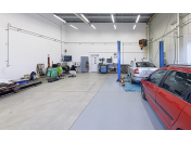 Autolakýrnické práce, autolakovna, míchání laků, lakování osobních a užitkových vozidel Brno