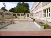 Realizace zahrad do mateřských školek, školní zahrady včetně vyřízení dotace