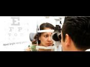 Měření zraku, dioptrií, vyšetření očí oční lékařkou bez objednání