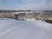 Lyžařská sezóna - lyžování, snowboarding, jízda na bobech nejen pro rodiny s dětmi