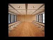 Dřevěné, laminátové podlahy, koberce, pvc-podlahové krytiny
