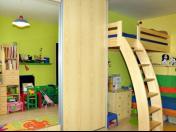 Výroba nábytku do dětského pokoje, ložnice - postele, stoly, dětské kuchyňky