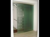 Interiérové prosklené dveře jsou stylovou i funkční volbou