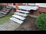 Obklady schodů, realizace pokládky vnitřní a venkovní dlažby - kamenické práce