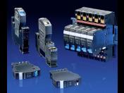 Napájecí zdroje, jističe, konektory a další elektro komponenty