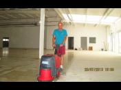 Pravidelný úklid firem a domácností a průmyslových objektů - kompletní služby