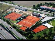 Antukové tenisové kurty, hřiště na volejbal či nohejbal - výstavba českou osvědčenou metodou