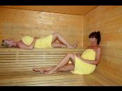 Wellness hotel, procedury pro povzbuzení a relaxaci - sauna i whirpool