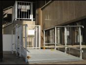 Plošiny pro vozíčkáře umožní bezbariérový přístup do objektu
