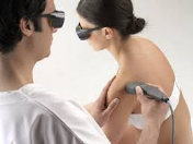 MLS laserová terapie - pomoc při odstranění akutní bolesti, zánětu i otoku