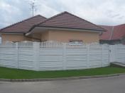 Betonové ploty v profesionální kvalitě se stanou nepostradatelnou součástí vašeho rodinného domu