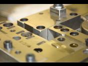 Velkokapacitní strojírenská kovovýroba s dalšími úpravami pro dokonalou finální funkčnost