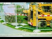 Oplocení staveb, oddělení od chodců, svodidla, zábrany - dopravní zařízení