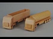 Dřevěné reklamní předměty s logem a dřevěná kulatina