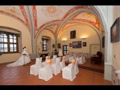 Pořádání svatebních obřadů a hostin v prostorách zámeckého areálu Valeč