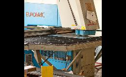 CNC děrovací stroje