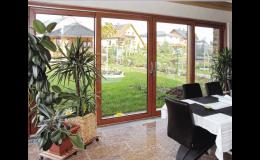 Zdvižně - posuvné exteriérové dveře - rozměrné prosklené plochy s tepelnou izolací