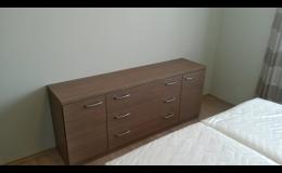 zakázková výroba nábytku do ložnice