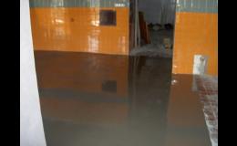 Velmi odolné polyuretanové a epoxidové podlahy