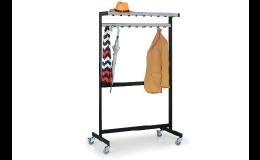 Kovové řadové šatní věšáky - výroba na míru z ocelových profilů, variabilní věšák s velkým úložným prostorem