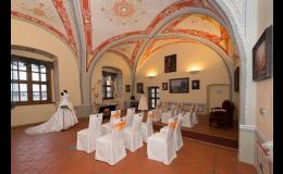 Veranstaltung von Hochzeitszeremonien und Banketten in den Räumlichkeiten des Hotels Schloss Valec die Tschechische Republik