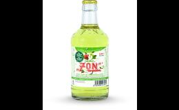 Limonáda v tradiční skleněné vratné lahvi