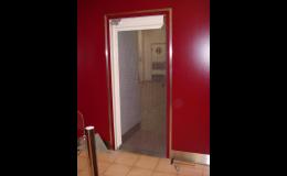 Kyvné dveře Brno