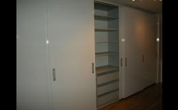 vestavěné skříně, efektivně využitý prostor