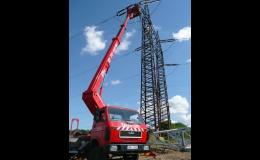 Pracovní montážní plošina na podvozku nákladního auta Brno