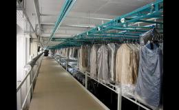 Produktion, Montage von Fördersystemen, Bandförderer Tschechische Republik