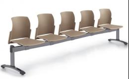 Variabilní stavebnice lavic a židlí do čekáren