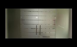 Dodávky interiérových celoprosklených stěn a dveří