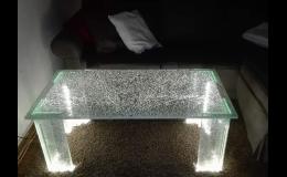skleněný stůl - výroba na míru