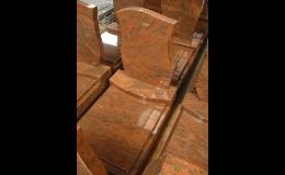 Pomníky z různých druhů kamene skladem