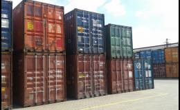 Použité stohovatelné námořní kontejnery
