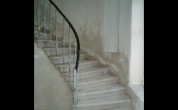 Čištění schodišť interiérů bezprašně