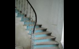 Čištění schodiště