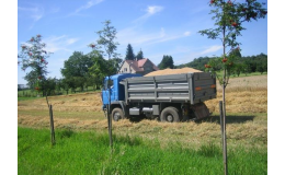 Prodej brambor, pšenice, zelí i čerstvého mléka